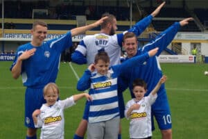 Young kids with Greenock Morton platers doing the dab